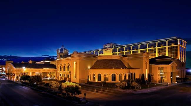 Suncoast casino las vegas entertainment