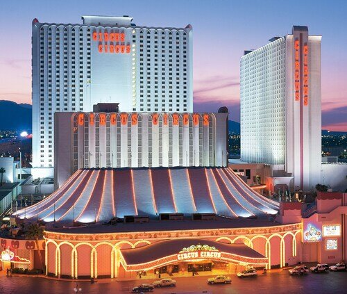 Circus Circus Hotel, Casino & Theme Park official hotel website