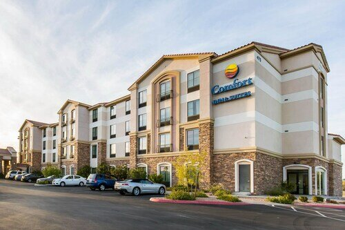 Comfort Inn & Suites Henderson - Las Vegas official hotel website