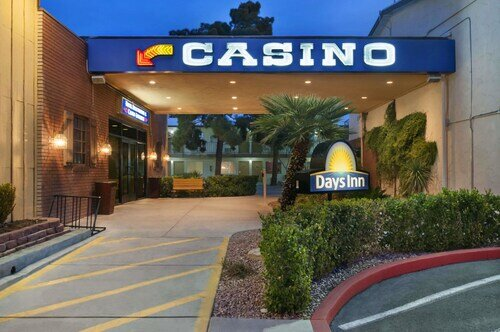 Days Inn by Wyndham Las Vegas Wild Wild West Gambling Hall official hotel website
