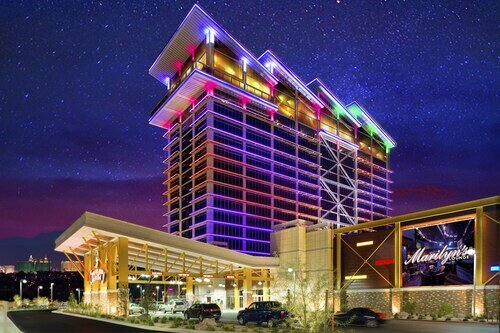 Eastside Cannery Casino & Hotel official hotel website