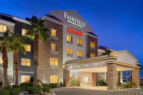 Fairfield Inn and Suites by Marriott Las Vegas South official hotel website
