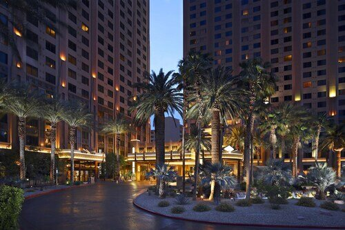 Hilton Grand Vacations on the Las Vegas Strip official hotel website