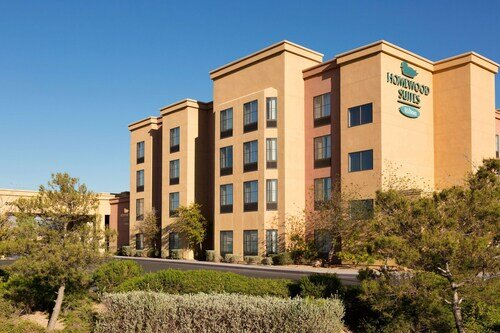 Homewood Suites by Hilton Las Vegas Airport official hotel website
