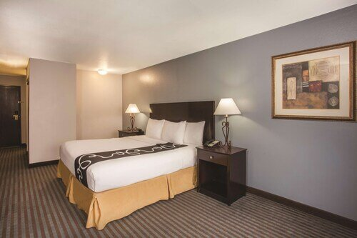 La Quinta Inn by Wyndham Las Vegas Nellis official hotel website