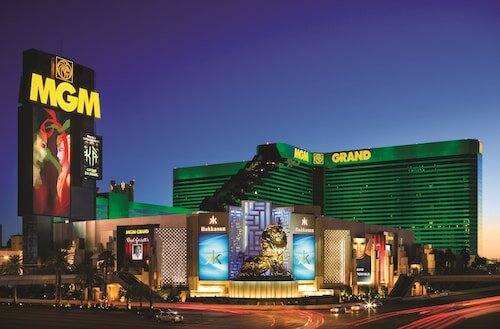 MGM Grand Hotel & Casino official hotel website