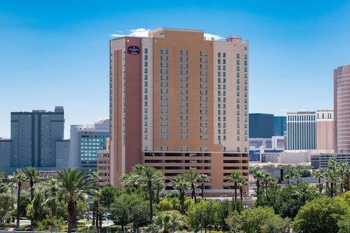 SpringHill Suites by Marriott Las Vegas Convention Center official hotel website