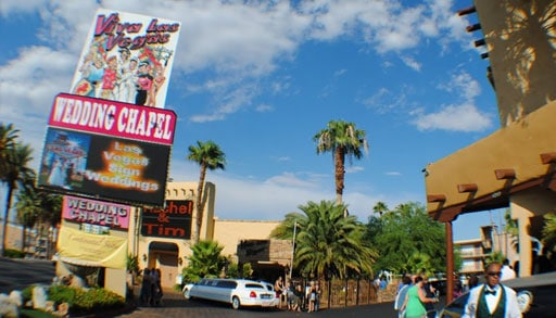 6 Viva Las Vegas Wedding Chapel
