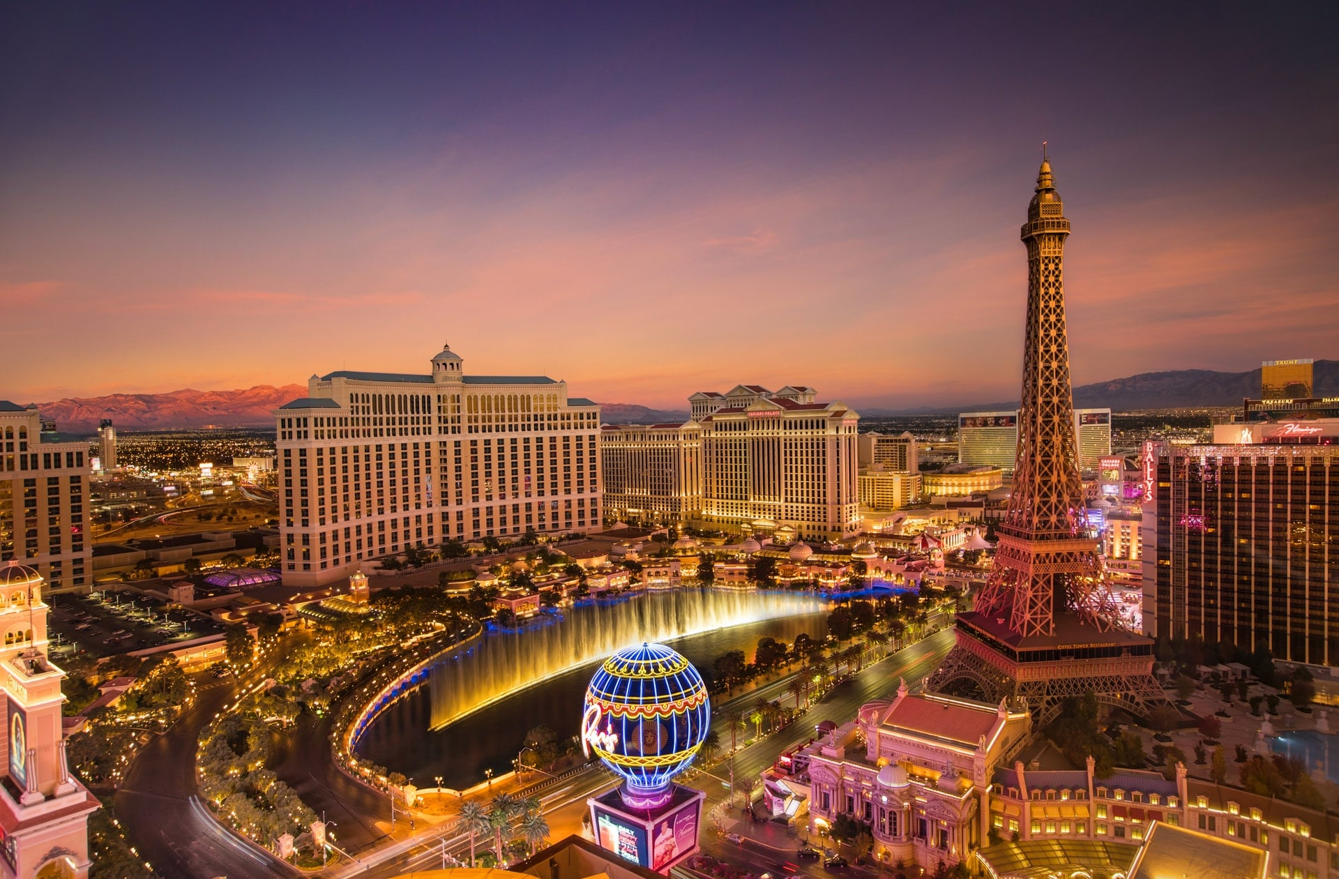 Top 10 Best Las Vegas Hotels 2021