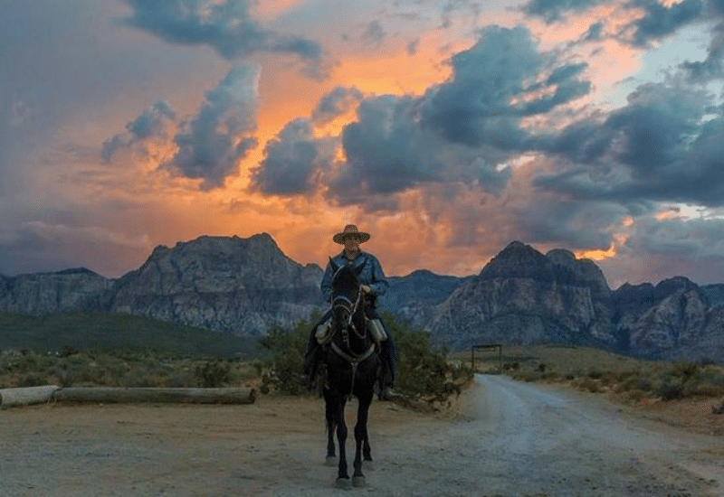 Red Rock Canyon Sunset Horseback Ride and Barbecue